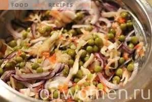 Salată cu varză și mazare