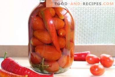 Pickled tomatoes with bell peppers