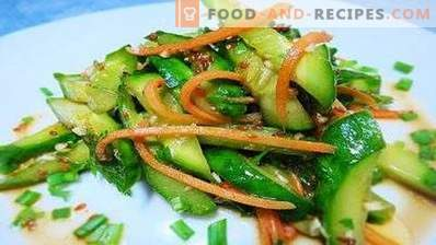 Zucchini marinați în stil coreean.