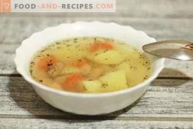 Supa de fasole conservată într-un aragaz lent
