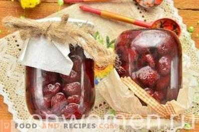 Erdbeerkonserven mit ganzen Beeren