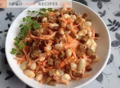 Salate cu biscuiți și fasole